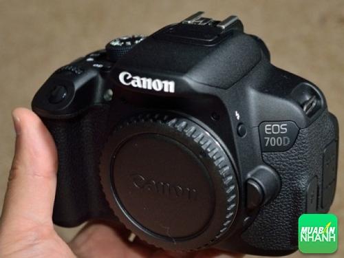 Canon 700D cũ cần bán